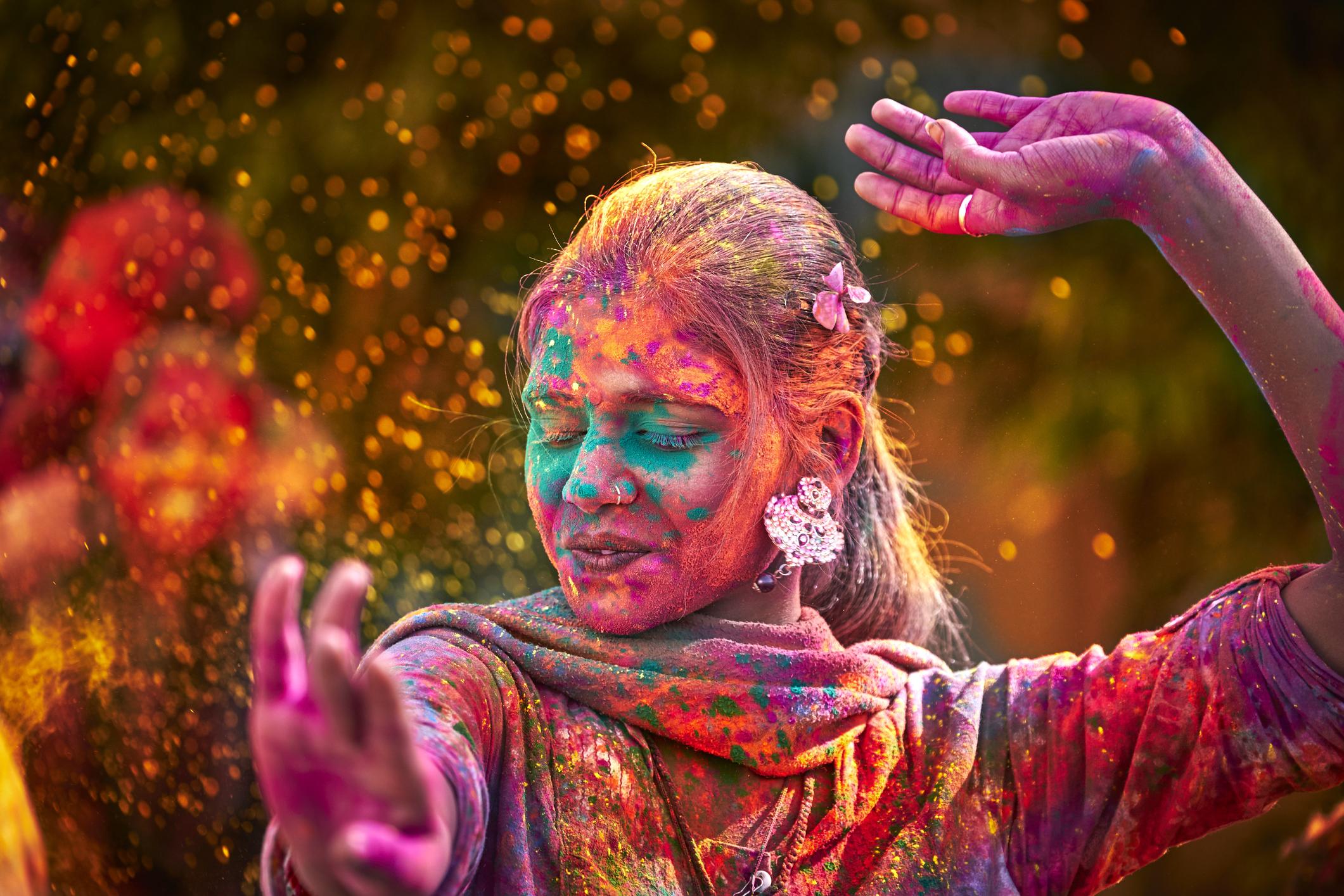 Un bagno di colore: Arte Mater Corso e Percorso di Arteterapia 2019